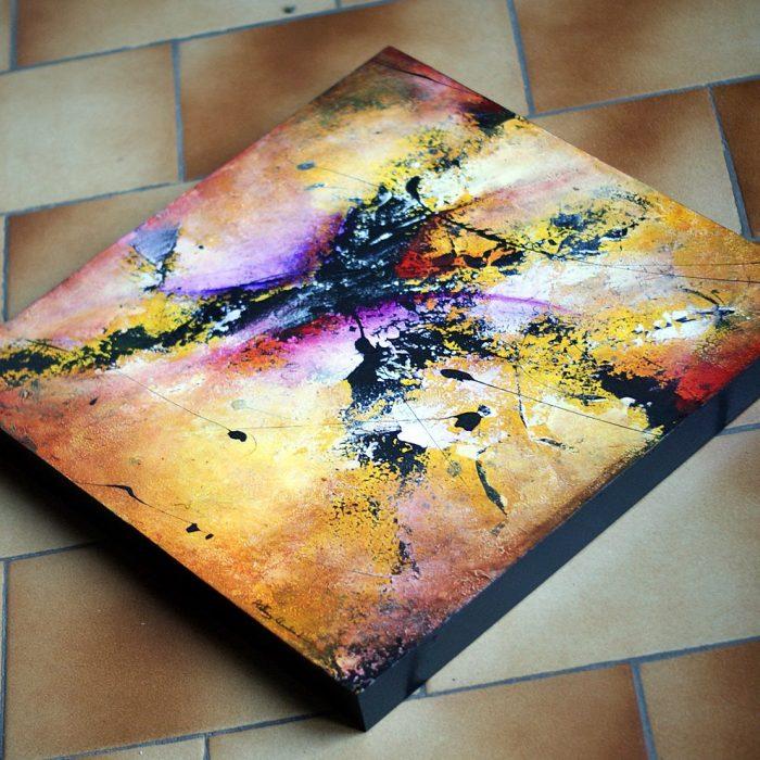 tableau jaune et rouge sur bois en vente