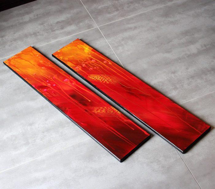 tableau rouge et marron en hauteur